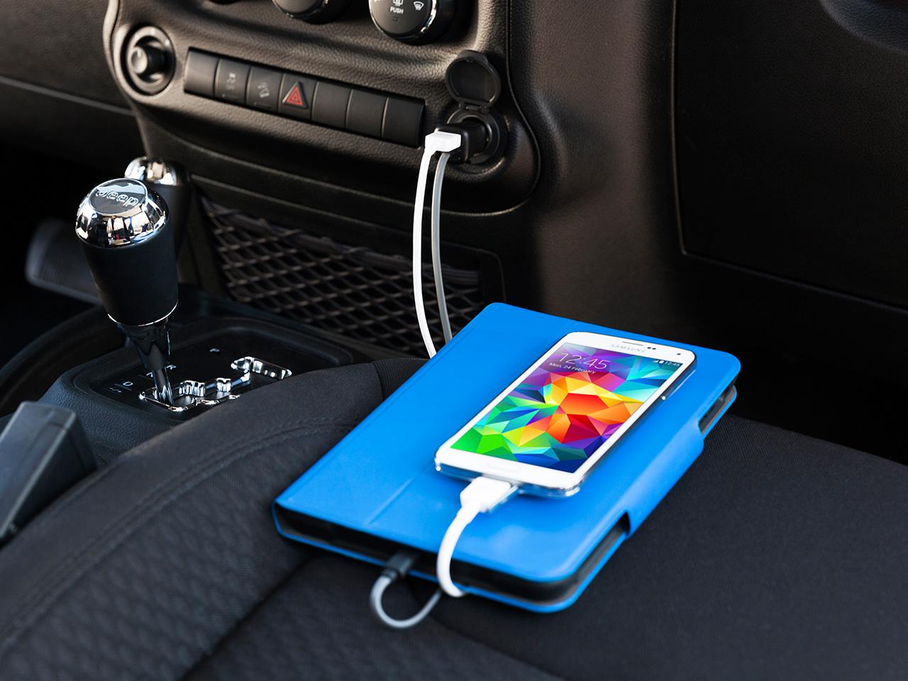 PowerJolt Dual Car Charger with Lightning Connector 12 Watt